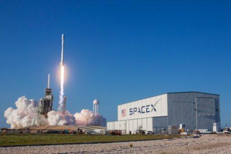 高度10kmしか飛ばないロケットをNASAが米月着陸機として選定