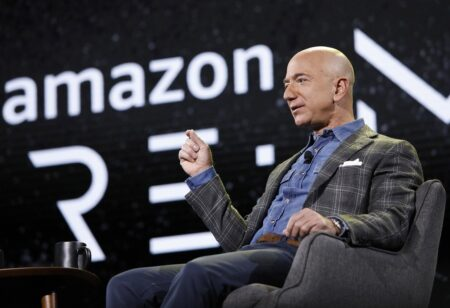 Amazonの宇宙詐欺 ブルーオリジンが15回目のロケット打ち上げ成功