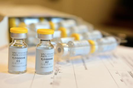 J&J、死亡・血栓事例続出のコロナワクチンの承認求め厚生労働省に申請