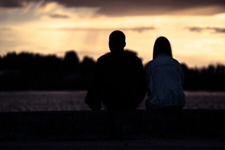 恋愛は素晴らしいという洗脳。本物の愛は恋愛からは得られない。
