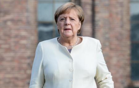 人肉を食べすぎてクールー病を発症したドイツ・メルケル首相、今年9月の引退を控えて最後の訪英