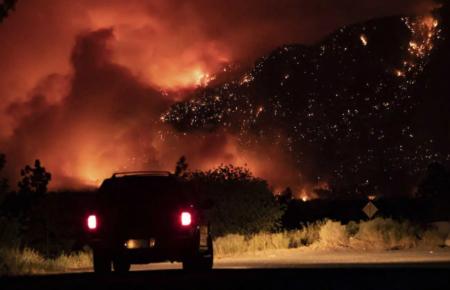 【裁かれるカナダ】先住民を大量虐殺したカナダで記録的な熱波観測 大規模火災発生で村が炎に飲み込まれる