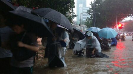 【中国で異常な大規模洪水】死者から角膜を摘出する医療関係者、流れてくる物資を略奪する市民、国も人間性も崩壊