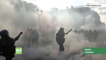 【フランス・パリ】コロナワクチン接種義務化・ワクチンパスポート導入に反対するデモが激化、内戦状態と化す