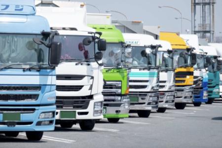 コロナワクチン接種後の副反応が原因で、トラックドライバーによる事故が多発 接種者の運転能力が著しく低下