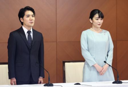 【天皇制もいよいよ終わり】眞子さまと小室圭の結婚記者会見に国民から批判殺到 記者からの質疑応答も許されず