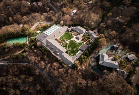 ビル・ゲイツの別荘がついに完成  悪魔崇拝の拠点か