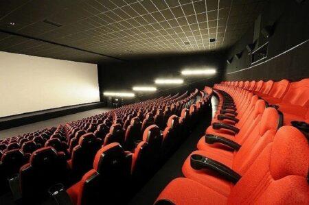 理不尽な休業要請 映画館と美術館から不満の声