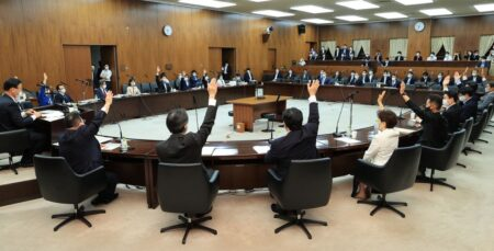 【李氏朝鮮の復活】李家による合法的な土地の乗っ取りを可能とする「土地規制法」が衆参両院で可決