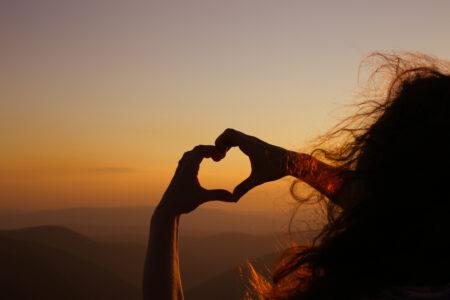 神様の愛は全てに勝る。人間が心のどこかで求めている本当の愛。