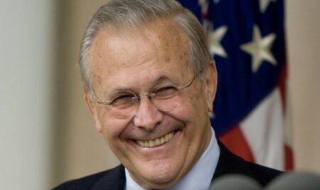 国際テロ組織をでっち上げ、アメリカを無駄な戦争に巻き込んだラムズフェルド元米国防長官死去