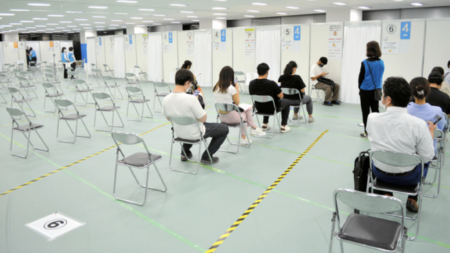 【コロナ茶番終了】日本各地のワクチン集団接種会場の予約が埋まらず次々と閉鎖
