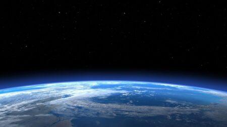 【宇宙詐欺】防衛省、存在しない宇宙空間の警戒・監視、人工衛星の修理・補給を担う「宇宙巡回船」の建造を検討 さらなる税金の強奪を目論む